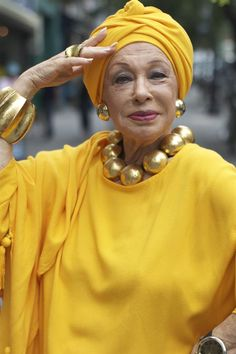 Turban Day on Advanced Style Beautiful People, Beautiful Women, Do It Yourself Fashion, Advanced Style, Glamour, Ageless Beauty, Shades Of Yellow, Aging Gracefully, Mellow Yellow