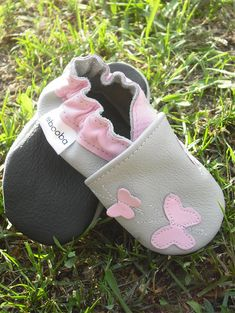 Ebooba,Baby shoes,Crib Baby Shoes,Walker Baby Shoe,Baby Butterfly Shoes,Baby Slippers,Baby Booties,Gray Baby Shoes,Slippers,6-12 These Ebooba handmade baby shoes will inform your baby about these day-flying beauties - the butterflies. The soft sole also protects their feet and fits perfectly