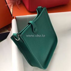 Replica Hermes Evelyne Bag in Clemence leather Menthe