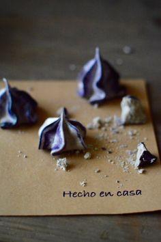 Merengues secos de moras. By Fresa & Pimienta