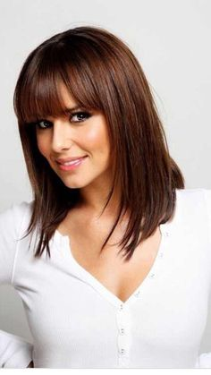 Quelle couleur cheveux chocolat - The Right Hair Styles Mid Length Hair With Bangs, Shoulder Length Straight Hair, Bangs With Medium Hair, Medium Hair Cuts, Medium Hair Styles, Short Hair Styles, Straight Bangs, Straight Cut, Shorter Hair