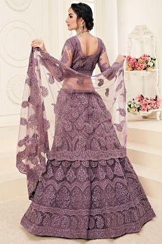 Lehenga Style, Indian Lehenga, Silk Lehenga, Bridal Lehenga, Indian Dresses, Indian Outfits, Light Purple Wedding, Purple Party, Net Blouses