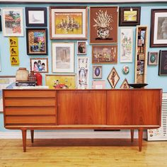 Mid Century Modern furniture restoration is more than Danish oil or a quick dash with chalk paint. Expert Bob Kennedy weighs in with a advice for beginners 1950s Furniture, Mid Century Modern Furniture, Mid Century Modern Design, Painted Furniture, Furniture Design, Furniture Repair, Furniture Refinishing, Furniture Makeover, Bedroom Accessories
