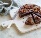 Salted chocolate and walnut tart recipe : SBS Food Dutch Recipes, Tart Recipes, Sweet Recipes, Baking Recipes, Chef Recipes, Salted Chocolate, Chocolate Heaven, Chocolate Desserts, Sbs Food