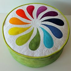 Sharing the fabulous work of fellow quilters (Geta's Quilting Studio) Pin Cushions, Pillows, Thread Catcher, Applique, Ottoman Furniture, Rainbow Quilt, Sewing Blogs, Free Motion Quilting, Quilt Patterns