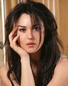 Likes, 17 Comments - Celebrities Monica Bellucci Joven, Malena Monica Bellucci, Monica Bellucci Young, Monica Bellucci Photo, Beautiful Celebrities, Beautiful Actresses, Most Beautiful Women, Beautiful People, Italian Actress