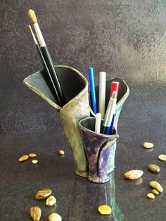 Raku Keramik Stifthalter, Stift Halter Stifthalter für Büro, Geschenkidee, Tisch Dekoration Tür-Tricks machen. Um zu bestellen, kann das Objekt haben kleine Unterschiede in Form und Farbe im Vergleich zu den Bildern, weil es vollständig von Hand in Raku-Technik gemacht wird.