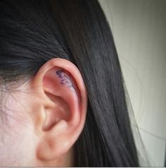 16 Tiny Ear Tattoos That Are Perfect For Minimalists