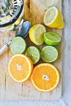 For more juicing tips, click now. Remain healthy simply by benefiting from making juice. Diet is vital in our long term health and wellbeing. Loads of fruit and veggies will always be healthy for you. Fruit And Veg, Fruits And Vegetables, Citrus Fruits, Detox Juice Recipes, Detox Drinks, Skin Detox, Fruit Photography, Fruit Art, Lemon Lime