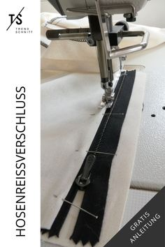 So gelingt dir das Einnähen eines Hosenreissverschluss - hier geht's zum Trendschnitt Nähblog mit Nähtipps und Tricks sowie lässigen Schnittmustern für einen coolen Style. Lass dich von meinen Kleidungsstücken zum Selbermachen inspirieren und setze dein eigenes Nähanfängerprojekt um. Cooler Style, Tricks, Tie Clip, Jumpsuits, Fashion, Sew Simple, Diy Fashion, Zipper Repair, Diy Sewing Projects