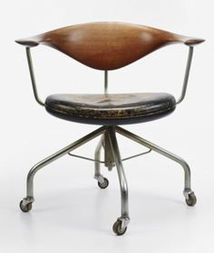 Swivel desk chair - 1955 - Design by Hans J. Wegner and crafted by cabinetmaker Johannes Hansen.
