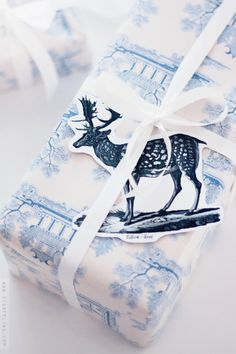 Blue and white Christmas wrapping from SignePling. Blue Christmas, Christmas Colors, All Things Christmas, Winter Christmas, Christmas Time, Christmas Crafts, Christmas Mantles, Reindeer Christmas, Victorian Christmas