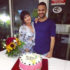 #family #happiness #love #italy #welcomehome #party #ottawa #bye #after2years #bentornata #alessandra #brotherandsister #cake #flowers #neckless #dress  non so perché ma sembro più bella da quando sono tornata a casa. L ITALIA TI FA BELLA❤️������ http://misstagram.com/ipost/1556419213512612493/?code=BWZgwdHAxqN