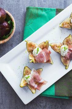 Fichi ripieni: semplice e gustoso. Il perfetto antipasto di fine estate!  [Stuffed figs]
