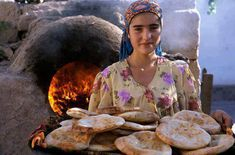 The Egyptian beauty Egyptian Beauty, Egyptian Art, Egyptian Bread, Egyptian Women, Life In Egypt, Visit Egypt, Tecno, People Of The World, African Women