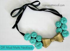 Melts Necklace {rainonatinroof.com}