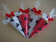 Lembrancinhas2 Fiesta Mickey Mouse, Mickey Mouse Parties, Baby Mickey, Mickey Party, Mickey Minnie Mouse, Mickey First Birthday, Mickey Mouse Clubhouse Birthday, 2nd Birthday, 1st Birthday Parties