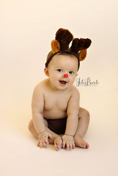 6 month old | Rudolf the Red Nosed Reindeer    Christmas photography