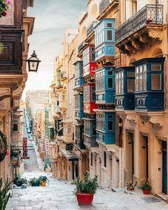 10 Alternative Travel Destinations To Beat The Crowds - UK Malta Travel Destinations Backp Places To Travel, Travel Destinations, Places To Visit, Europe Centrale, Tromso, Destination Voyage, White Sand Beach, Travel Aesthetic, Travel Images