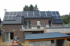 Legyen Neked is napelemes házad. Tudj meg mindent az igénylés, pályázat lehetőségeiről. Solar Panels, Budapest, Outdoor Decor, Home Decor, Homemade Home Decor, Sun Panels, Roof Solar Panels, Interior Design, Home Interiors