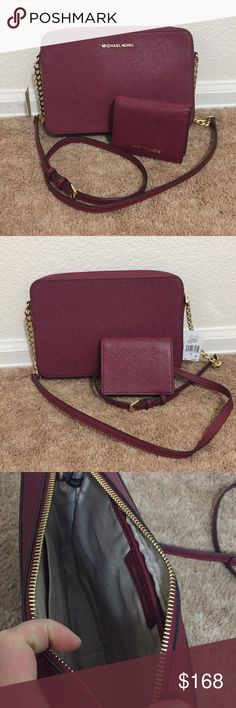 "New Michael Kors crossbody bag & Wallet  set 100% Authentic brand new😍😍 Michael Kors Leather mulberry crossbody & wallet.  Dimensions 9""1/4 X 6""X 2""  Free pets and smoking home.  Not trades. Thanks. Michael Kors Bags Crossbody Bags"