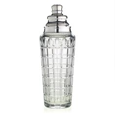 Jerry is a fabulous cocktail party shaker. Large enough for several generous cocktails, it is the perfect addition for the stylish bar. Wonderfully hand cut with a silver filter and pourer. Just terrific!
