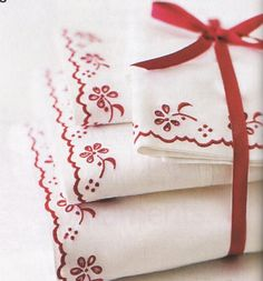 Out of Print Decorating - Country Home, December Make The Holiday Bright, featuring the home of Katrin Cargill Raindrops And Roses, Shabby, Red Geraniums, White Cottage, Cozy Cottage, Linens And Lace, White Linens, Country Charm, Colour Board