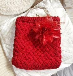 Tasche, Handtasche aus Zpagettigarn rot  von La Isla auf DaWanda.com