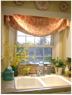 Valance with cornice over a kitchen window.