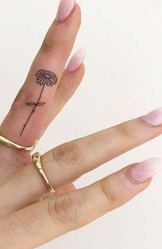 Finger Tattoo Designs, Finger Tattoo Ring, Inside Finger Tattoos, Flower Finger Tattoos, Finger Tattoo For Women, Small Finger Tattoos, Tattoo Designs For Women, Small Tattoos On Hand, Womens Finger Tattoos