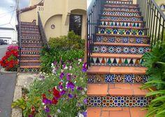 Los Gatos - Stairs Los Gatos - Downtown #losgatos #bayarea #california #afrenchyincali #expatlife #architecture #downtown #stairs #mosaic #escalier