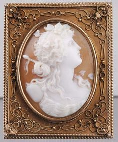 Hand Carved Victorian SHELL CAMEO