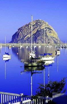 Beautiful Morro Bay, California ❤️ See u on thxgvg! Morro Bay California, California Dreamin', California Vacation, Places To Travel, Places To See, Travel Stuff, Places Around The World, Around The Worlds, Beautiful World