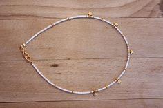 Gargantilla de granos minúsculos joyas simples estrellas oro