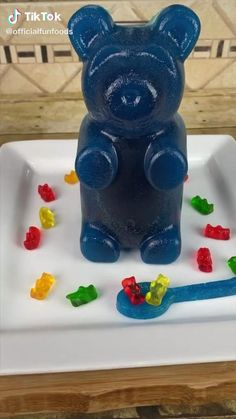 Recipe for later Fun Baking Recipes, Candy Recipes, Cooking Recipes, Bear Recipe, Recipe Recipe, Gummy Recipe, Tasty Videos, Food Videos, Cute Food
