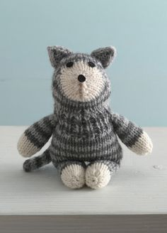 FREE Purrfect Kitty Sock Critterknitting pattern in Lion Brand Wool-Ease.  Find the knitting pattern at LoveKnitting.