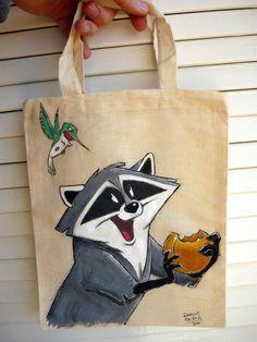 Meeko e Flit su shoppingbag. :) #disney #artwork #workoncommission #fanart #paintonfabric #colorful #handpaint #pocahontas #lovefordrawing #dariodevito #echoesofcolors #funny #paintbrush