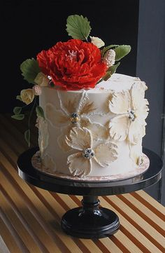 These latest wedding cakes are the latest instragram wedding cake trend from fabulous artist cake designers. Whether concrete wedding cake, aged stone wedding cake,. Wedding Cakes With Flowers, Beautiful Wedding Cakes, Beautiful Cakes, Flower Cakes, White And Gold Wedding Cake, Purple Wedding, Wedding Colors, Lace Wedding, Artist Cake