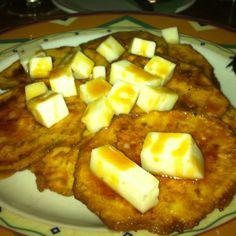 Berengenas Equivocadas en Las Palmas.  Espectacular, fina capa de rebozado con queso de canbra de la isla y con el toque dulce de la miel Me encantaaaa!! por Merce Pastor, bailarina en liquiddansa  http://www.onfan.com/es/especialidades/la-oliva/casa-marcos/berengenas-equivocadas?utm_source=pinterest&utm_medium=web&utm_campaign=referal