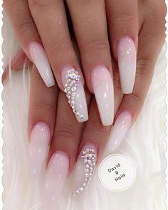 """Kundin: """"machen Sie mir was schlichtes, aber lang mit blingbling und kein Glitzer """" 😂😂😂😘😘😘 -> 100% UV Schutz -> Fiberglas Gel -> Keine Vergilbung -> Säuren- Und Allergenenfrei #gelnails #glitternails #nailsart #nails #swarovskinails #nails #nails💅 #nailstagram #davidnailsge #babyboomernails #swarovski #ballerinanails #coffinnails #marblenails #pinknails #unicornnails #foilnails #stilettonails #blacknails #rednails #marmornails #marblenails #chromenails #whitenails @ David Nails… Matte Nails, Stiletto Nails, Acrylic Nails, French Nails, Marmor Nails, Eye Wrinkle, Nail Art Designs, Glitter, Instagram"""