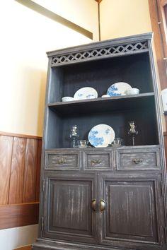 食器棚を大正ロマン風にリデザイン
