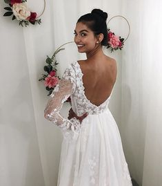 Leslie by Lis Simon Flower Bouquet Wedding, Bridal Collection, Wedding Gowns, Photoshoot, Formal Dresses, Hearts, Future, Fashion, Bridal Gowns