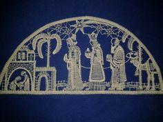 Vbs Crafts, Craft Markets, Christmas Nativity, Lace Patterns, Bobbin Lace, Textiles, Vintage Antiques, Needlework, Christmas Decorations