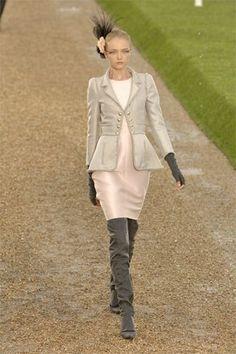 Chanel Fall 2007 Couture Fashion Show - Vlada Roslyakova
