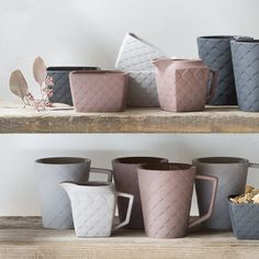 Anna suggests that you mix the grey and rose-coloured items to create your own unique set. Ceramics, prices from DKK 16,60 / EUR 2,33 / ISK 419 / NOK 23,60 / GBP 2,23 / SEK 23,40