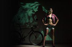 Tom Vander Heyden Photography - Cycling Calendar 2016 - Kleur op Maat Cycling, Toms, Calendar, Concert, Sports, Photography, Hs Sports, Biking, Photograph