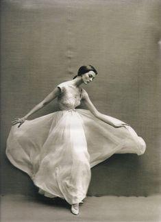 Harper's Bazaar, 1957   Photo by Richard Avedon  Model: Carmen Dell'Orefice