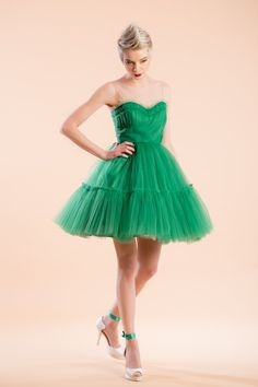 Pour green apple syrup in a tulle dress glass and sprinkle ruffles. This dress is made of a dreamy tulle overlay and it comes with satin lining. Tulle Dress, Strapless Dress Formal, Formal Dresses, Pin Up Style, My Style, Princess Style, Princess Dresses, Dress Cake, Retro Fashion
