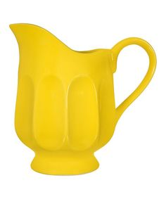 Great for serving lemonade or iced tea, this large pitcher pours drinks with style. Keep party guests cool and hydrated during summer barbecues and outdoor gatherings.