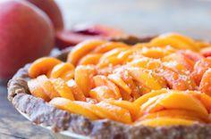 Honey Peach Pie by Medical Medium Healthy Desserts, Raw Food Recipes, Healthy Recipes, Vegan Sweets, Yummy Recipes, Healthy Treats, Healthy Eating, Dinner Healthy, Medium Recipe